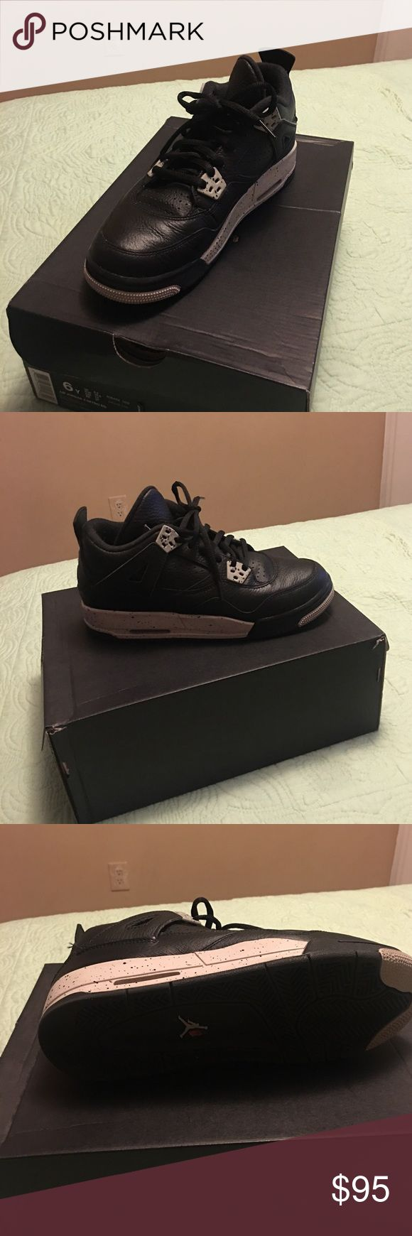 Jordan tennis shoes Air Jordan retro 4, oreos. Sized 6Y, fits a woman's 7.5-8 Jordan Shoes Sneakers