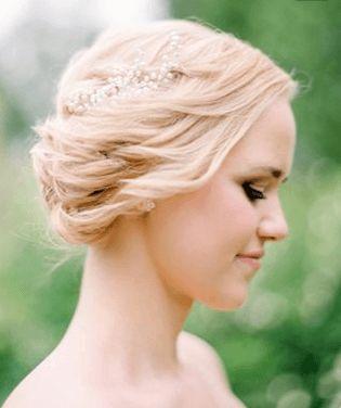 ミディアム&セミロングの花嫁ウエディングヘアスタイル