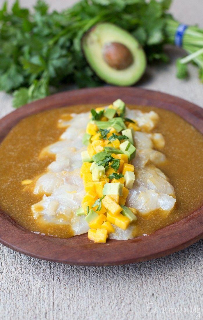 Nada más refrescante que un Tiradito de pescado y mango para acompañar un aperitivo delicioso. No te pierdas la receta.
