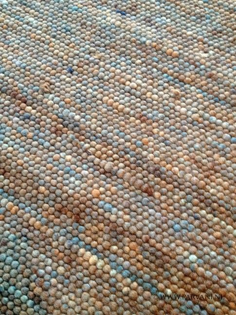 Parvani | Geknoopt wollen vloerkleed van 100% zuiver scheerwol in mooie blauw bruintinten. In vele maten, kleuren en structuren leverbaar.