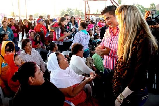 Líder de la FEDECOOP en una precampaña electoral disfrazada de Posada Navideña