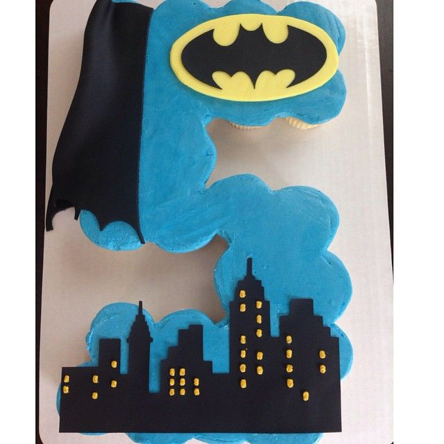 Batman pull apart cupcake. Happy 5th birthday Sam! #bakery #thegreenepig…