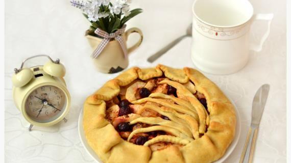 Постная заварная галета с яблоком, вишней и корицей, пошаговый рецепт с фото