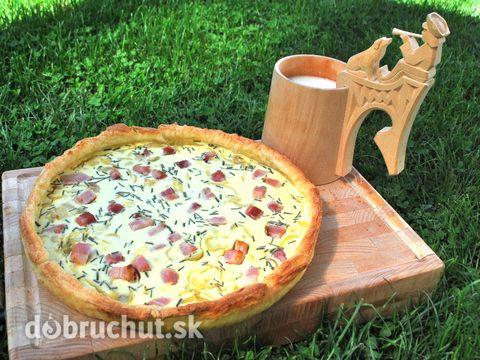 Slovenský bryndzový koláč -  Vajcia, bryndzu, kyslú smotanu premiešame a ochutíme soľou a korením. Lístkové cesto rozvaľkáme do kruhu...