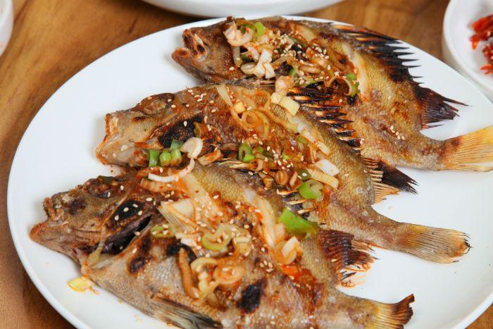 Major shopping items  Fresh fish, dried fish, vegetables  Nearby attractions  Yi Sun-shin Square, Jinnamgwan