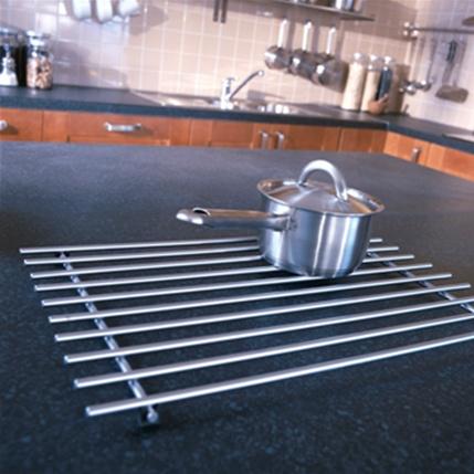 IKEA Pişirme Zamanı: Tezgahınızı sıcacık tencerelerinizden korumayı ihmal etmeyin!