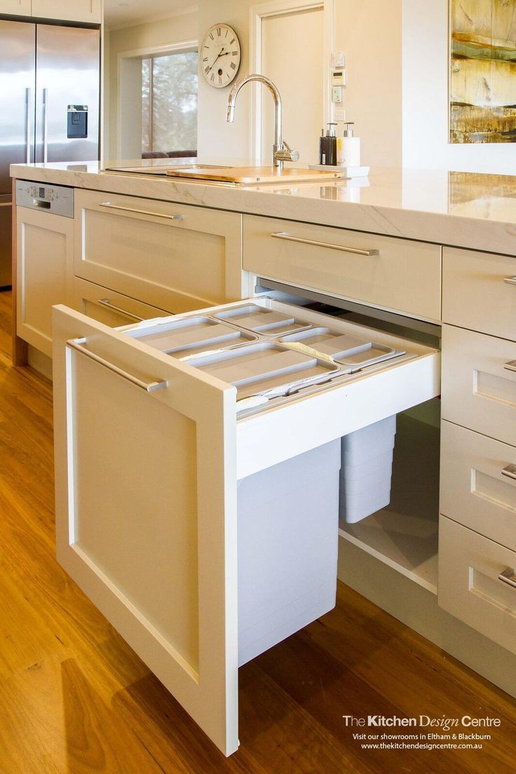 Traditional meet contemporary in this stunning kitchen. Boasting of space, this kitchen is also incredibly practical. www.thekitchendesigncentre.com.au @thekitchen_designcentre