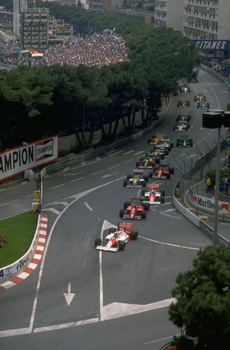 Ayrton Senna GP FI Montecarlo alla curva Santa Devota