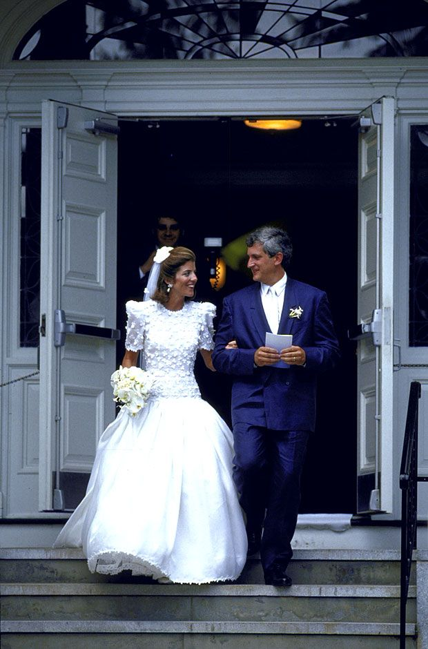 Caroline kennedy39s wedding dress the weddings of america for Caroline kennedy wedding dress