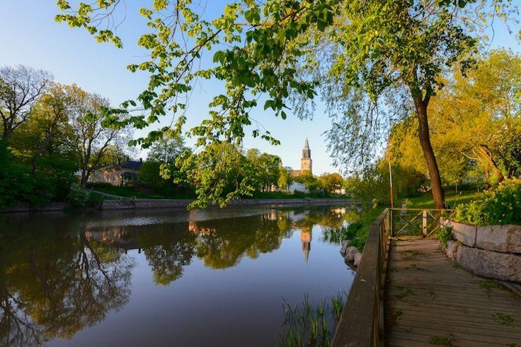 Kesäkuun iltapäivä Aurajoella Turussa. #Turku #BreakSokosHotelCaribia #sokoshotelsroadtrip Kuva @kpunkka