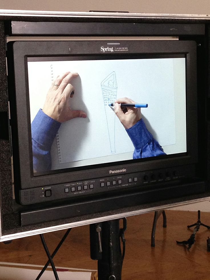 Jay drawing London 2012 Golden Torch #Olympics #designers #canali #canali1934 #onset