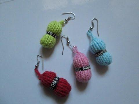 Mini pelote de laine au tricot pour faire des bijoux, porte-clés, éléments de scrap... - tutoriel en vidéo - (voir différents modèles dans Tricot + Bijoux + Objets pratiques + scrap Mode)
