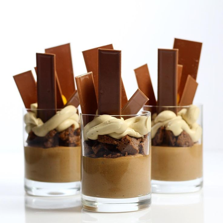 """Chocolate mousse , hazelnut praline crunch, coffee whipped ganache Verrines Bachour's Class at @savourschool #chefsroll #Bachour #bachourchocolate…"""