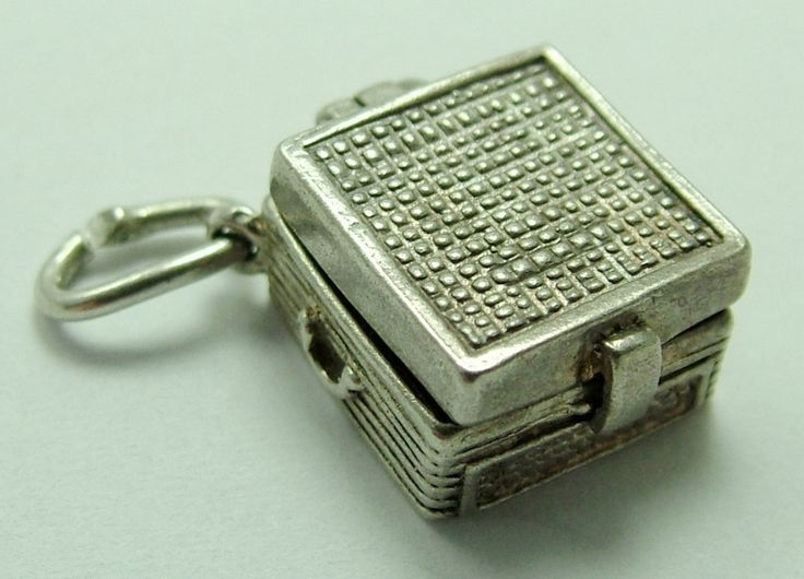 1960's Silver Opening Nuvo Portable Record Player Charm