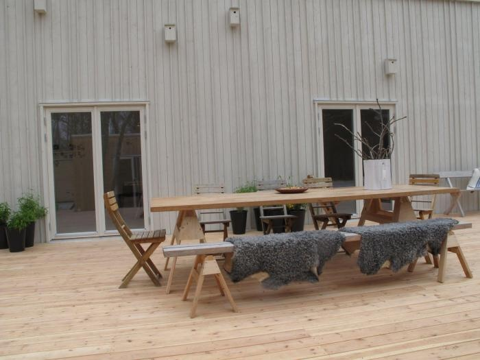 Steal This Look: DIY Scandinavian Outdoor Dining Space