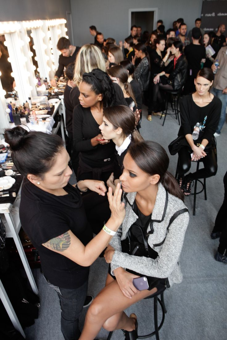 makeup artist resume%0A makeup artist at work
