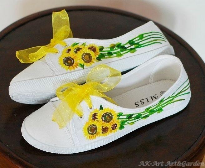 Ręcznie malowane tenisówki w słoneczniki / Hand painted sneakers with sunflowers