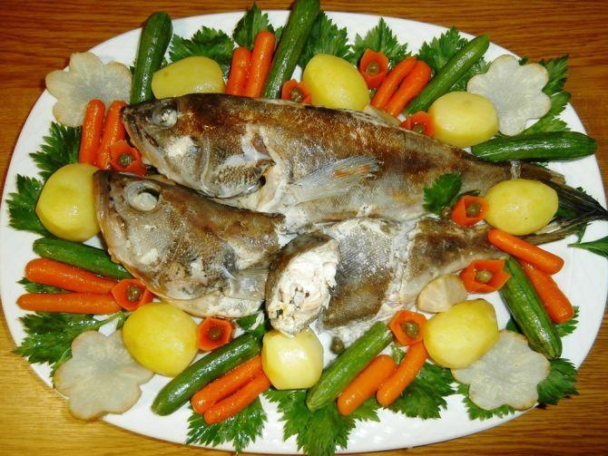 Ψάρι σούπα αυγολέμονο