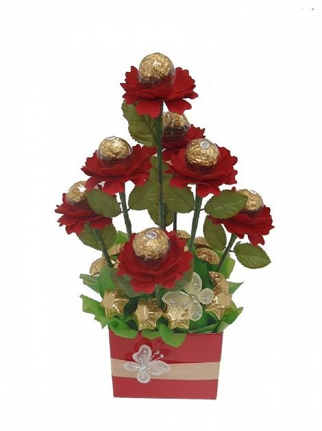 Gardens bouquets and red roses on pinterest - Red garden rose bouquet ...