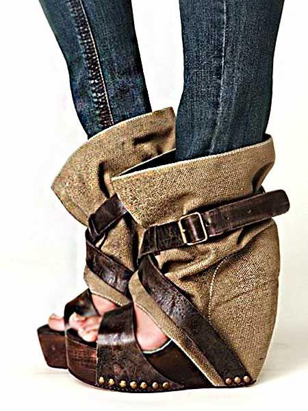 Dolgu topuk şıklığı ve bu tasarımın farklılığı bir araya geldiğinde; ortaya hem rahat, hem de dikkat çekici ayakkabı modelleri çıkıyor.