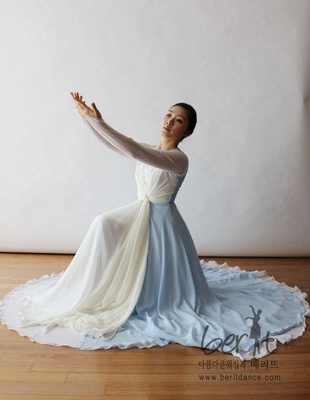 Resultado de imagem para Berit worship dancewear ♡ 아름다운 워십복 베리뜨 ♡ 워십의상 칸타타드레스 worshipdress