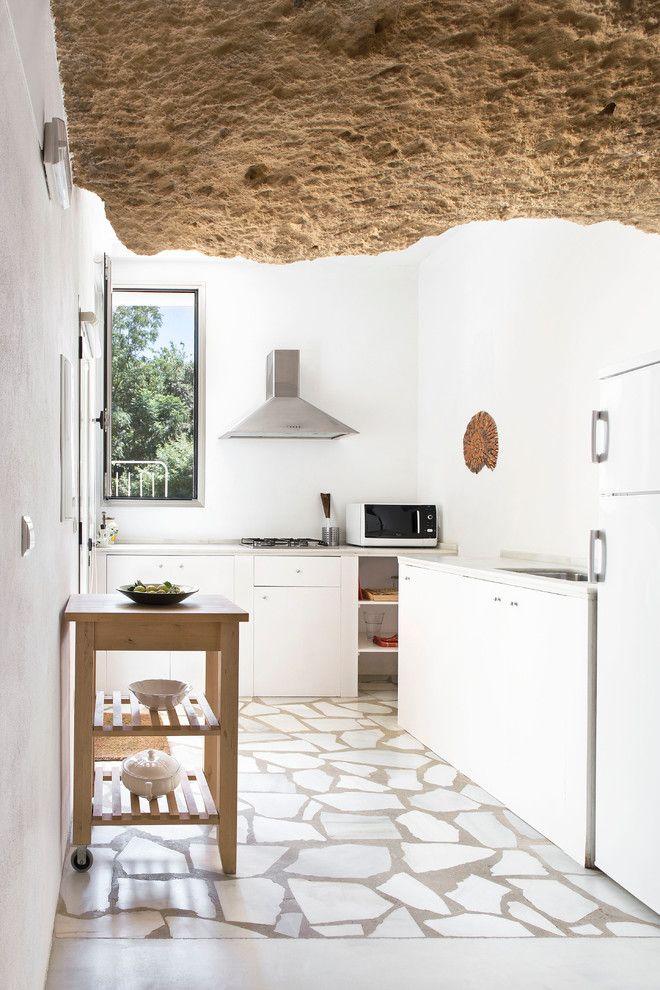 Mediterranean L-Shaped Kitchen