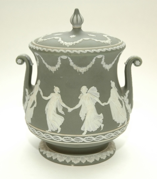 146 best images about wedgewood on pinterest for Wedgewood designs