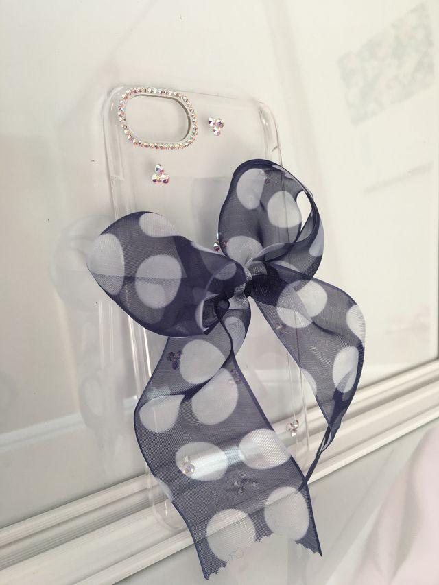 スワロフスキーと水玉オーガンジーリボンのiPhone7ケース
