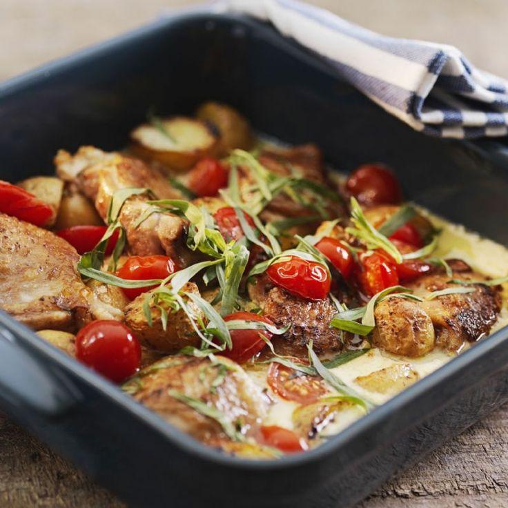 Estragon kylling med tomat og kartofler | Tomat opskrifter dansk tekst | Kylling, Opskrifter med ...