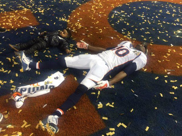 Denver BroncosVerified account ‏@Broncos #Mood #SuperBroncos
