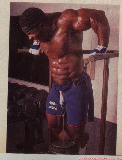 Bertil Fox - Training Chest - Weight Chest Dips - Muscle ...