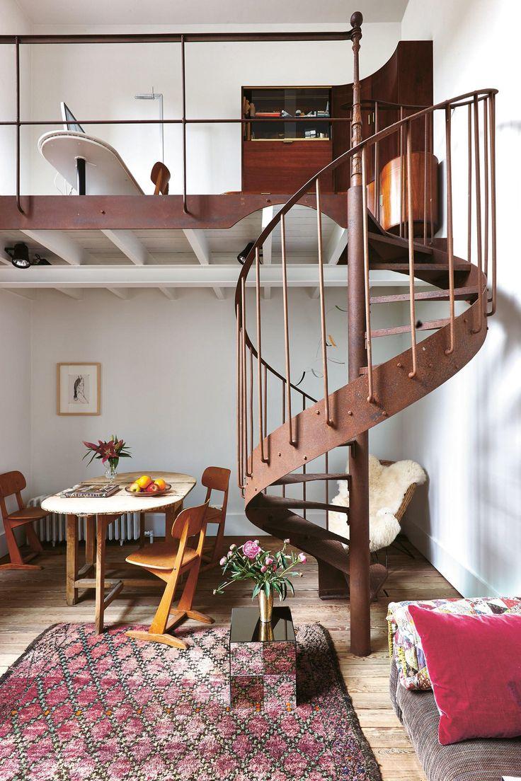 Eclectic Decor | Stairway