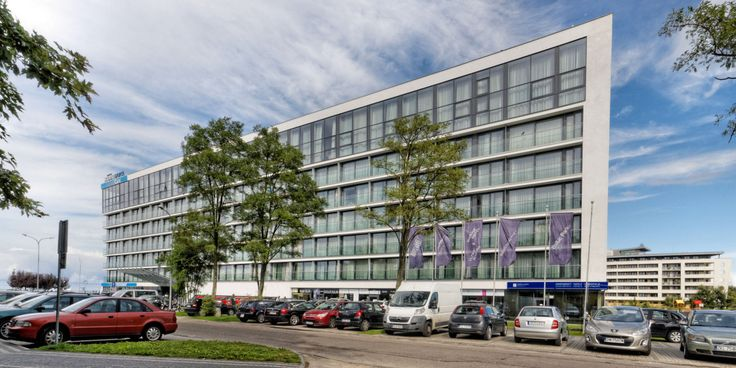Marine Hotel***** w Kołobrzeg. Photo by GB #kolobrzeg #kolberg #architektura #marine #hotel #marinehotel