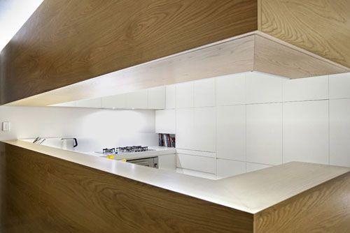 Kitchen in Shenton Park House / David Smith Studio