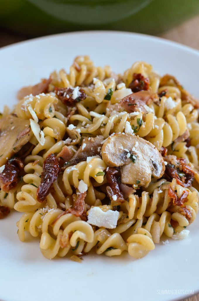 Slimming Eats Bacon, Mushroom and Sun-Dried Tomato Pasta - gluten free, dairy free, Slimming World and Weight Watchers friendly