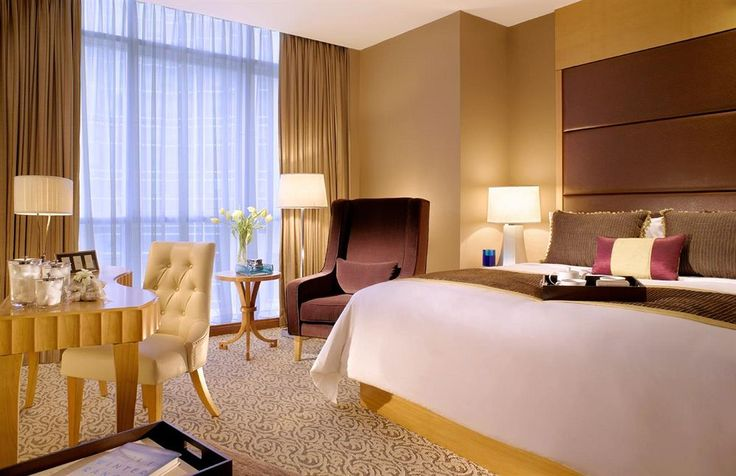 Oakwood Premier Cozmo Hotel  Jakarta, close to Mega Kuningan, Gelora Bung Karno Stadium, and Ciputra World 1. Also nearby are Ambassador Mall and Kuningan City Mall. This Jakarta aparthotel offers a restaurant and a bar. Additional amenities include a complimentary children's club, multilingual staff, and a grocery. http://www.zocko.com/z/JIYDO