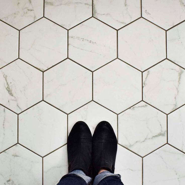 Merola Tile Classico Carrara Hexagon 7 in. x 8 in. Porcelain Floor and Wall Tile (11 sq. ft. / case)-FEQCRX - The Home Depot