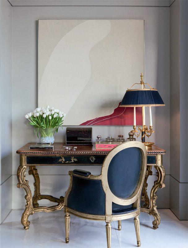 Apartamento decorado em SP com mobiliário clássico e obras de arte - Roberto Migotto