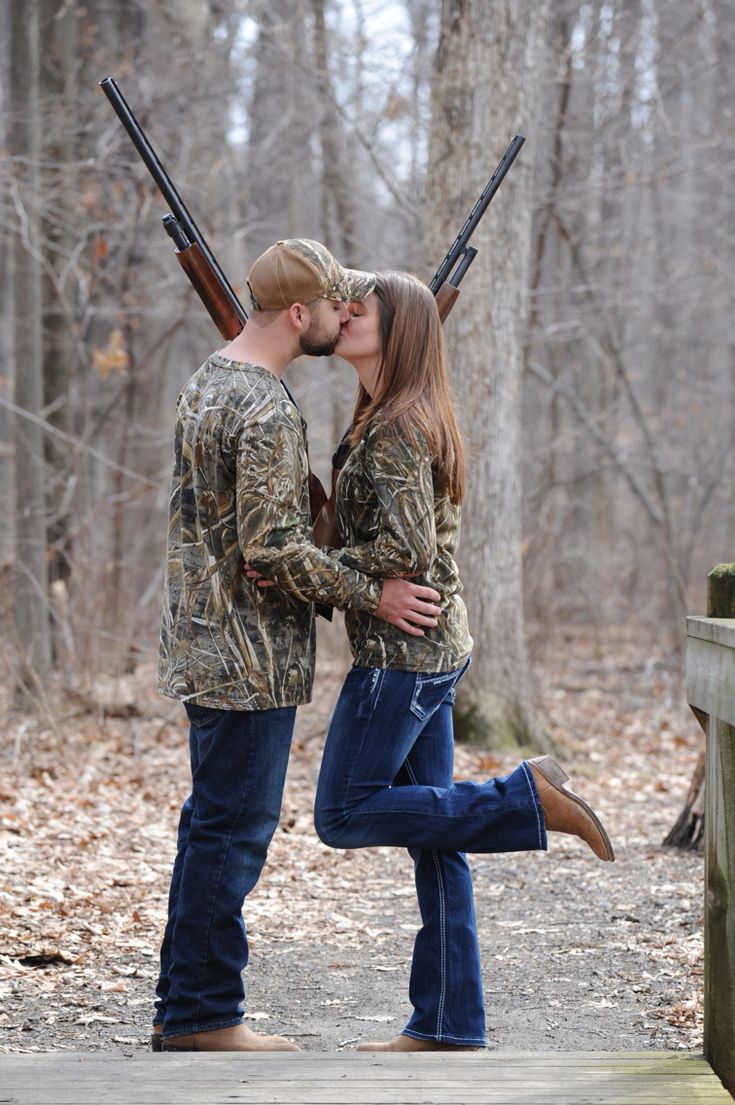 Kissing with guns