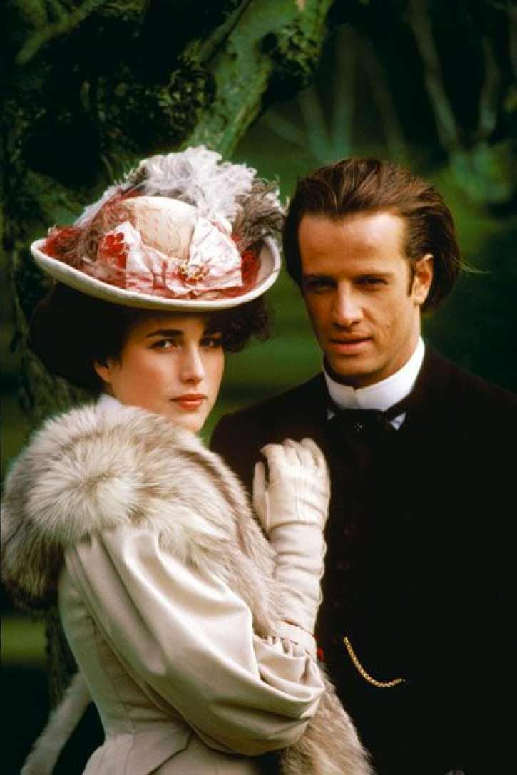 Andie MacDowell & Christopher Lambert in Greystoke: The Legend of Tarzan, Lord of the Apes (1984)