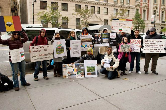 Every Sunday, There's a Protest Outside Billionaire John Paulson's Enormous Townhouse