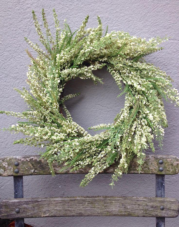 Lasting heather wreath. Green & Cream. So so pretty.