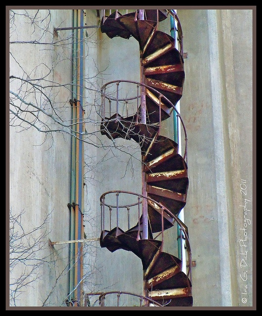 industrial spiral stairs... rusty!
