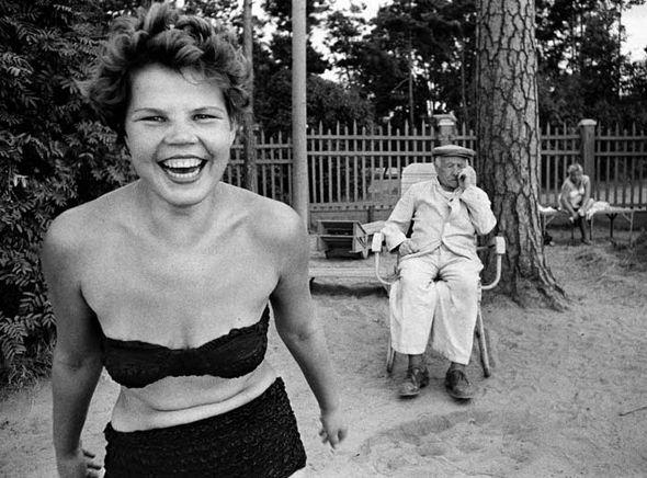 Bikini, Moscow 1959 © William Klein