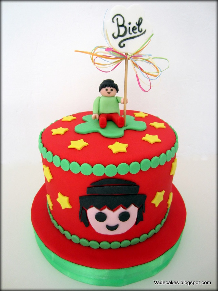 Playmobil Cake by Vadecakes