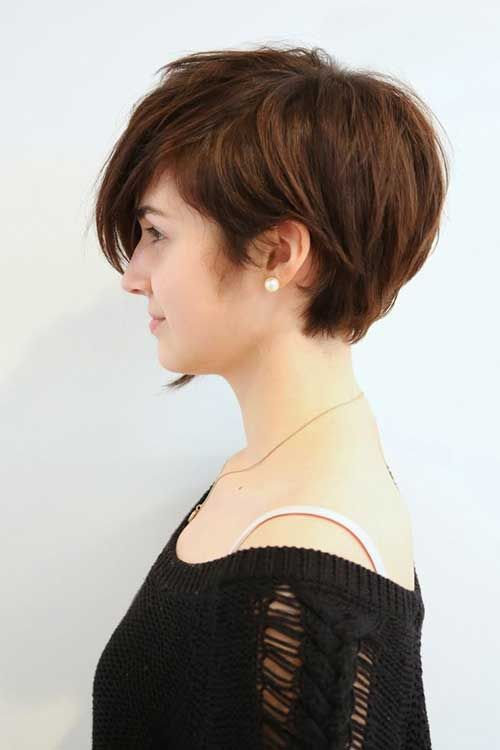 This is a great daily hairstyle for anyone with an oval face and thick hair.? It's quite long for a pixie cut and really demonstrates how you can continue with simple hairstyles, when your pixie is growing out.? The long layers rely on dense hair to create a lovely rounded shape at the back, graduated to curve in nicely at the nape.? The side parting can be worn as a centre or off-centre parting on an oval face, and drapes over one side in an extra-long fringe.? This is a soft look, with…