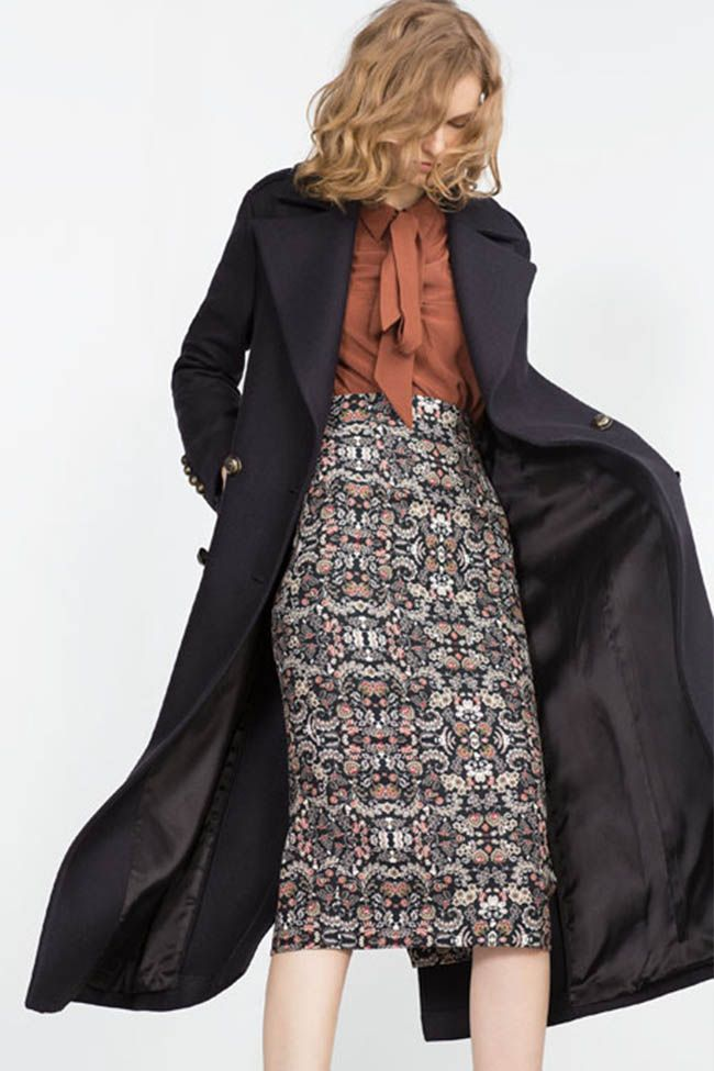 La falda de tubo el icono que te volverá a enamorar en la colección otoño/invierno de Zara 2015 Modalia | http://www.modalia.es/marcas/zara/9115-faldas-tubo-zara-otono-invierno-2015.html