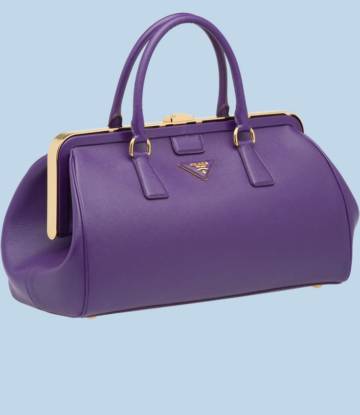 From The Great Gatsby - bag in recipient's favorite color, fill will things in same color: Pens/pencils, jewelry, wallet, hair slips, rolled up T-shirt, phone case, scarf, key ring, notepad, small stuffed toy, make-up, nail polish, anything that will fit.