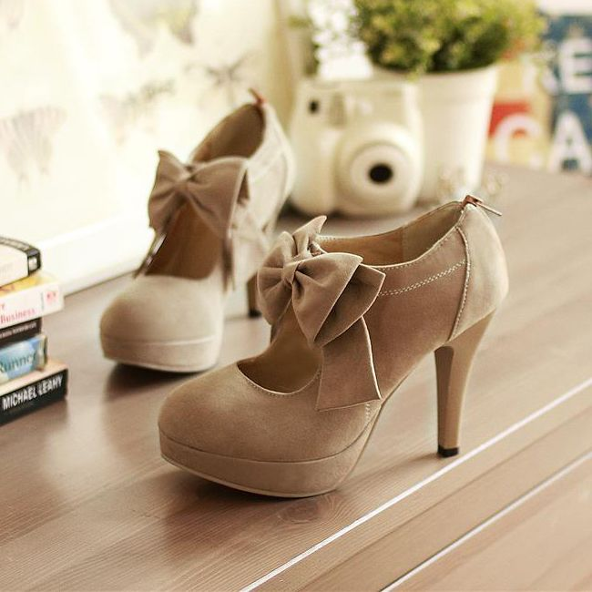 Sexy and Cute Front Bow Embellished Stiletto High Heels Light Tan Pumps