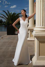 wedding dress Lirio crepe babric Tina Valerdi